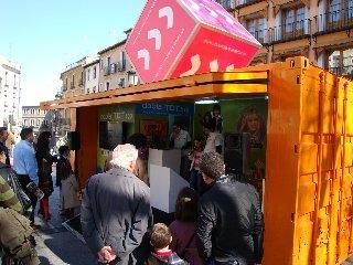 La iniciativa 'Movimiento Avanza' convierte a Cáceres desde hoy en una gran exposición tecnológica
