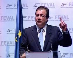 """Guillermo Fernández Vara llama a los ciudadanos a la """"tranquilidad"""" ante los casos sospechosos en España"""