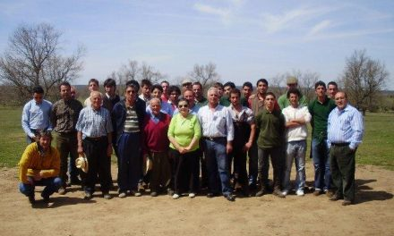 Los alumnos del curso de Auxiliar de Mayoral de Moraleja participan en un tentadero en Sahugo