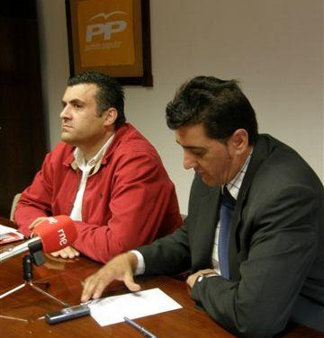 El PP denuncia el trato de favoritismo que el presidente de la Diputación tiene hacia los municipios socialistas