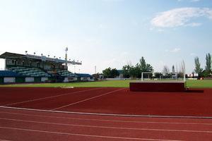 El director general de Deportes asegura que la Junta «trata igual» a todos los municipios de la región