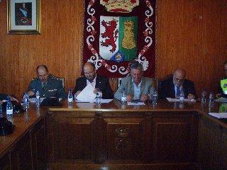 Torrejoncillo acuerda la creación de un registro de vecinos que utilizan armas de fuego en la Encamisá