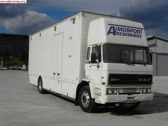 La Guardia Civil desarticula una red que robaba mercancía de camiones en marcha y en naves