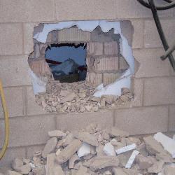 Varios desconocidos roban 40.000 euros de una oficina de Caja Badajoz de la localidad de Montemolín