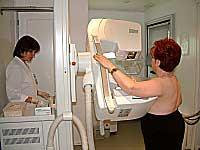 El Servicio Extremeño de Salud detecta cada año 400 nuevos casos de cáncer de mama en Extremadura