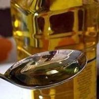 La ministra Elena Espinosa prevé que en unos 15 días se permita el lmacenamiento privado de aceite de oliva