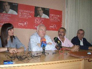 El Ministro de Asuntos Exteriores explicó ayer en Coria el proyecto socialista en las elecciones 7-J