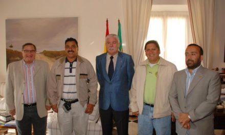 Tovar recibe a alcaldes nicaragüenses que están participando en un programa de nuevas tecnologías