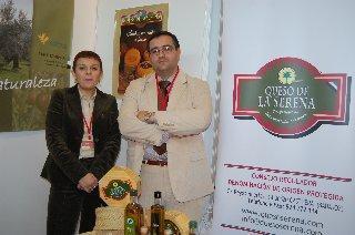 Extremadura presenta en el Salón Sabor de Origen el aceite Gata-Hurdes y las Tortas de La Serena
