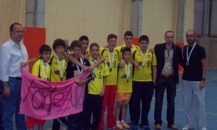 El equipo de Portezuelo de fútbol sala se proclama campeón de Extremadura en la categoría infantil