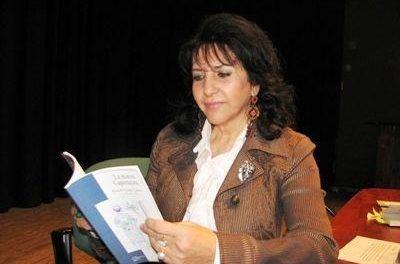 """La escritora cauriense Rosa María López Casero presenta en Plasencia su libro """"La nueva caperucita"""""""