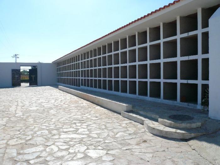El Ayuntamiento de Moraleja ampliará el cementerio diseñado por Lorenzo Fernández Ordóñez