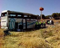 El autobús siniestrado en Miajadas está custodiado a la espera de autorización judicial para su inspección