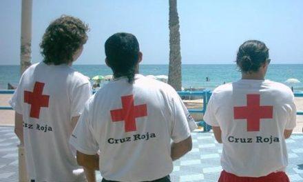 Más de 200 voluntarios y 34 ambulancias de Cruz Roja velan por la seguridad de los extremeños en verano