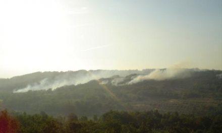 La reactivación del incendio de Hurdes obliga a evacuar a unos 500 vecinos de las alquerías de Nuñomoral