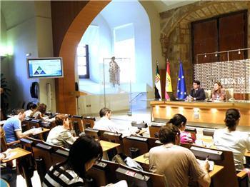Las ciudades de Badajoz y Cáceres ya pueden pedir cita con el médico a través del portal saludextremadura.com
