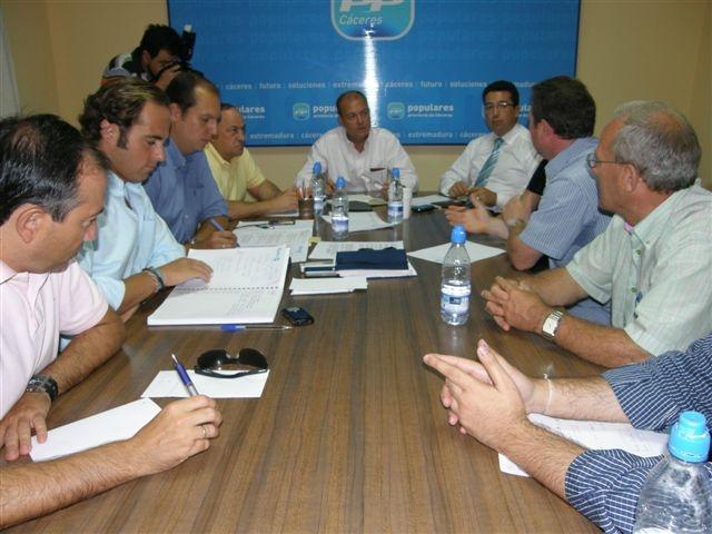 Monago critica que el contrato de prevención de incendios de Las Hurdes se adjudicara en julio pasado