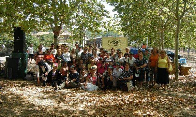 """Más de 100 personas participan en la jornada de reforestación """"Resurgir del fuego"""" de Las Hurdes"""