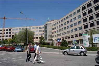 """Celadores del Hospital de Mérida denuncian """"inseguridad"""" después de la agresión a una compañera"""