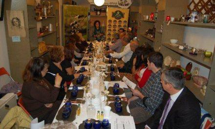 Sibaritas y futuros hosteleros de Asturias aprenden en Oviedo a catar aceite Gata-Hurdes y Torta de la Serena