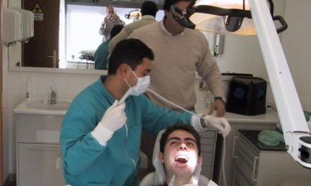 Más de cien dentistas extremeños participan en una campaña de diagnóstico precoz del cáncer oral