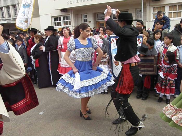El  Festival Folkórico de los Pueblos del Mundo recorre 32 localidades extremeñas y dos portuguesas