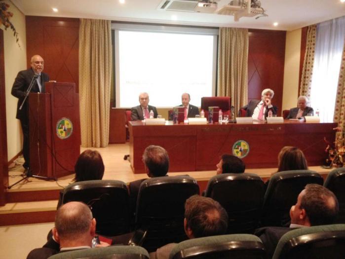 """Echávarri presenta el """"Libro de la agricultura y ganadería extremeñas 2013"""", del que asegura que es el año de la recuperación"""