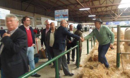 El consejero de Agricultura reitera el apoyo del Gobierno de Extremadura a la Feria Agroganadera de Trujillo