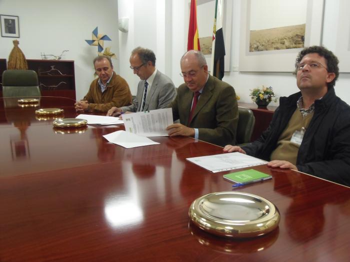 Agricultura firma un convenio con Oviso para colaborar en programas de mejora genética