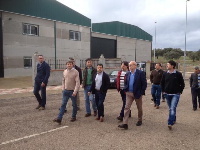 Echávarri visita la cooperativa Montemiel donde subraya el apoyo del GobEx y las ayudas de 6 millones de euros al sector apícola