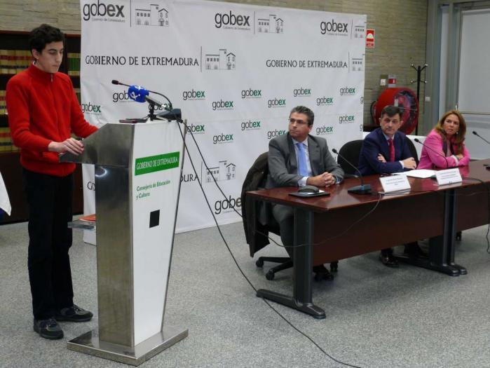 Más de 300 alumnos de la región extremeña participan en un programa de educación financiera diseñado por BBVA