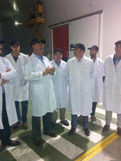 La Junta asegura que apoyará al sector de la fruta con la mejora de los seguros agrarios y la red de transportes