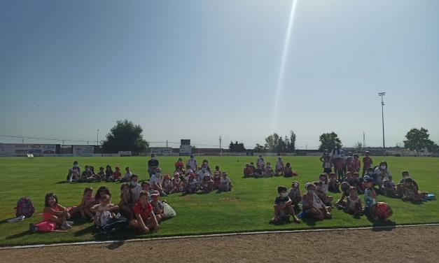 Miajadas cierra la escuela de verano con un espectáculo teatral para los más pequeños