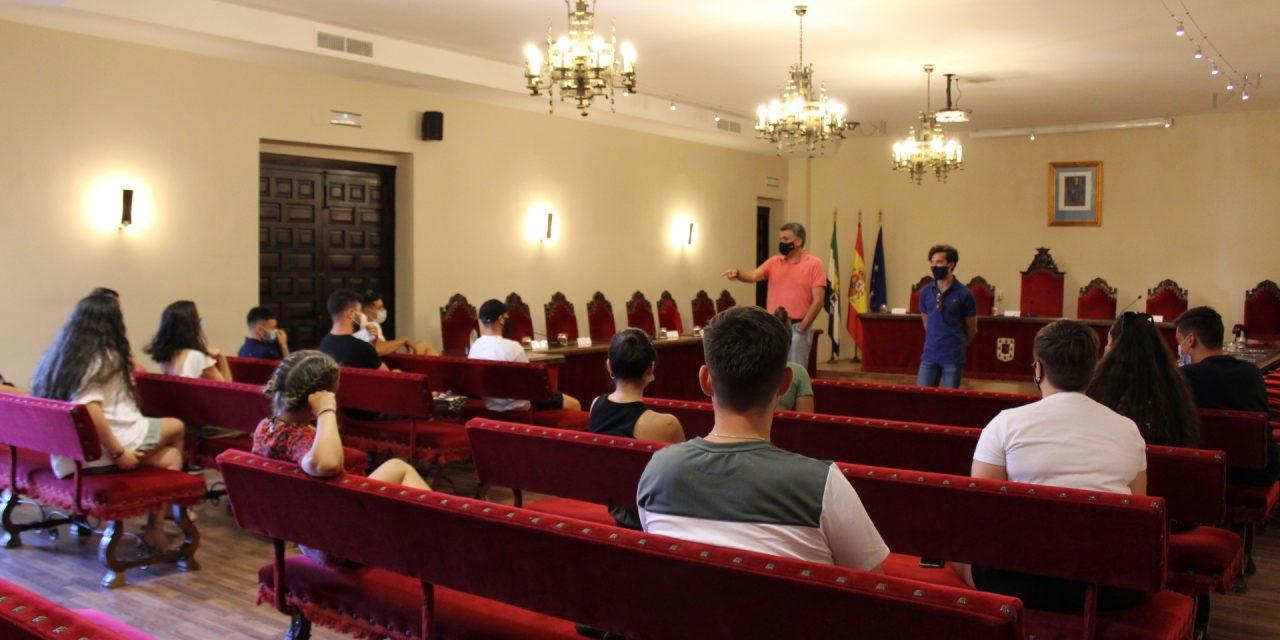 El Ayuntamiento de Coria y los jóvenes estudian alternativas de ocio tras la prohibición del botellón de La Isla