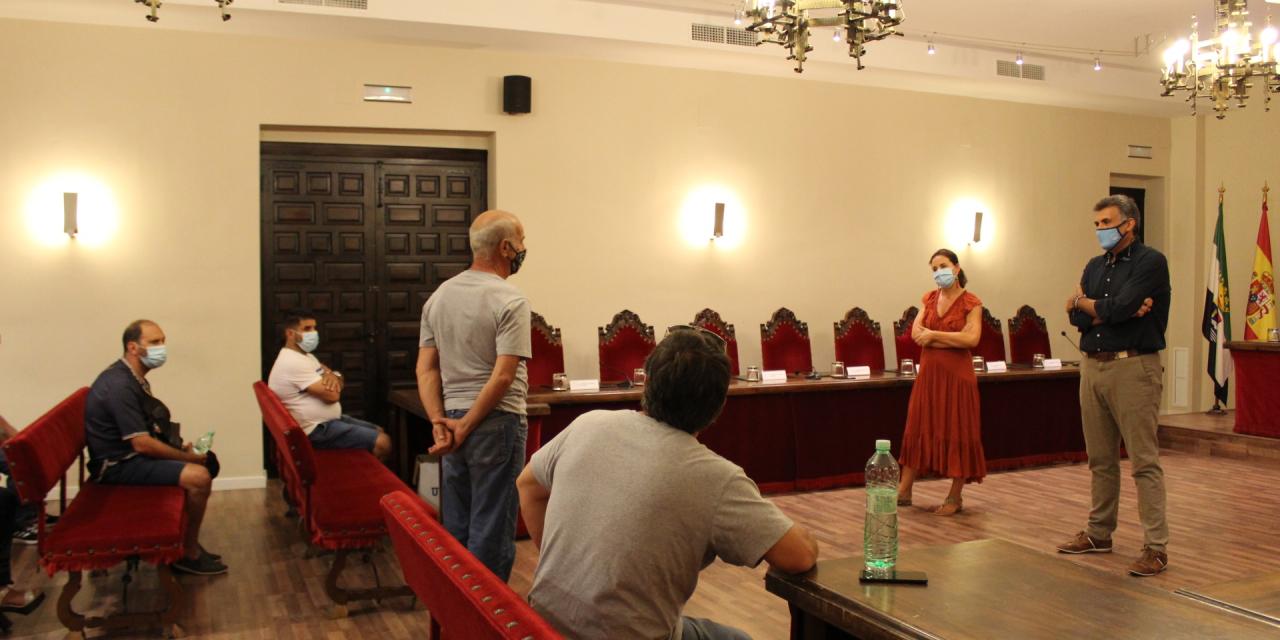 El Ayuntamiento de Coria estudia una posible reestructuración del mercadillo semanal para una apertura completa