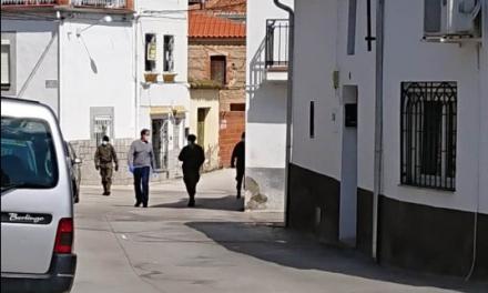 Peraleda lleva la compra a los mayores para que no salgan a la calle para evitar más contagios por coronavirus