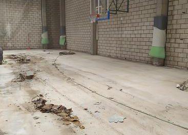 Comienzan las obras de sustitución del pavimento en el Pabellón Municipal de Deportes de Coria