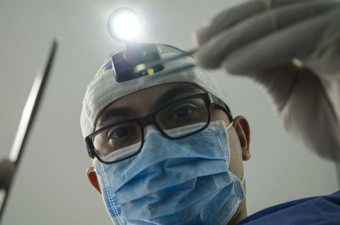 """La Junta contratará a los médicos de fuera de la Unión Europea """"que haga falta"""" para reforzar la sanidad"""