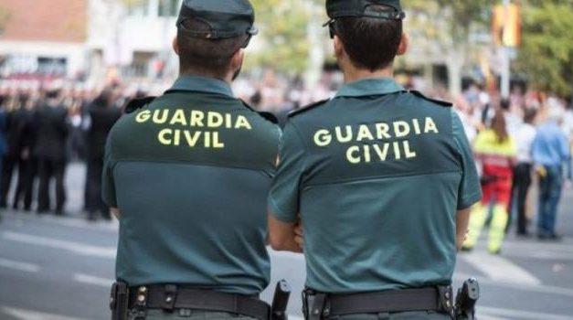 La Guardia Civil busca a cuatro hombres vestidos con uniformes falsos de militares que robaron en un hotel