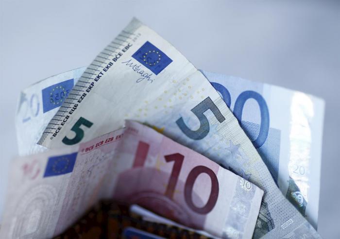 Una vecina de Moraleja se encuentra una cartera con 400 euros y la entrega al ayuntamiento