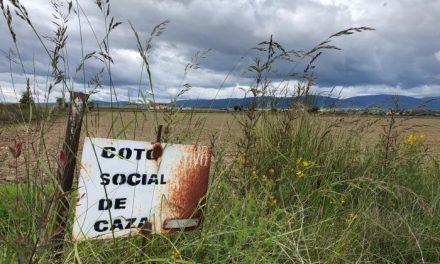 Vara pide al Gobierno un acuerdo para levantar las restricciones sobre la caza y la pesca en Extremadura