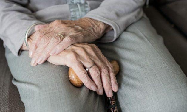 Residentes y trabajadores de la residencia de Castuera dan negativo en la prueba para detectar la Covid-19
