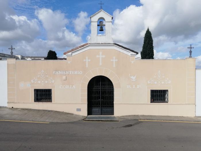 El Ayuntamiento de Coria reabre el cementerio y el polideportivo municipal con restricciones higiénicas