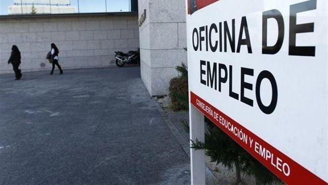 Junta y entidades financieras colaborarán en el anticipo de las prestaciones de paro para afectados por ERTE
