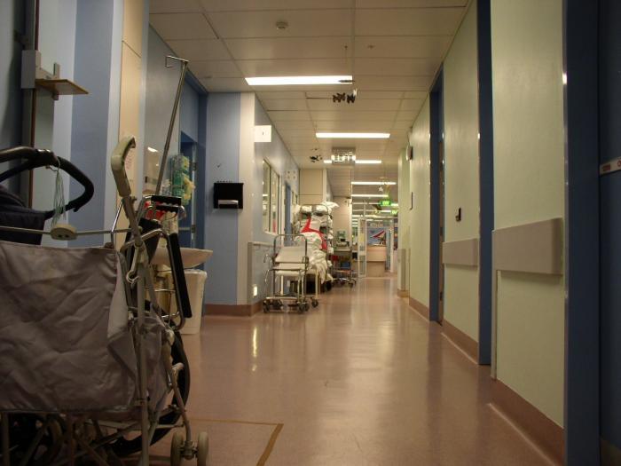 Más de un centenar de pacientes permanece ingresado por Covid-19 en los hospitales de la región