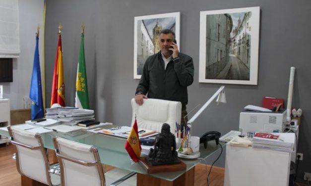 """El alcalde de Coria pide a los ciudadanos """"que no bajen la guardia y cumplan con las recomendaciones sanitarias"""""""