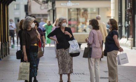 La Unión de Consumidores cifra el gasto mensual en mascarillas de una familia en 119 euros