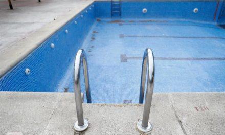 La mayoría de las comunidades de propietarios «lo tienen muy difícil» para abrir las piscinas este verano