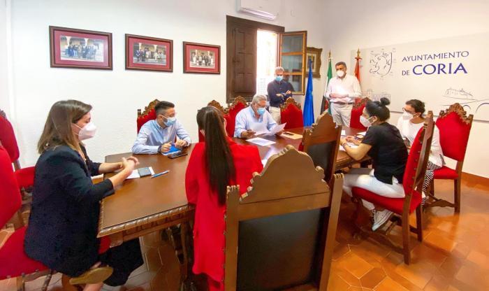 El Ayuntamiento de Coria pone en marcha un plan de apoyo al consumo local para reactivar la economía
