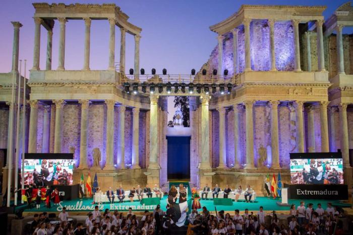 La región rendirá homenaje a las víctimas de la Covid-19 y a los sanitarios con motivo del Día de Extremadura